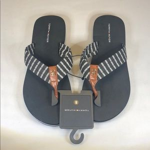 (p234) NWT Tommy Hilfiger Women's Slippers